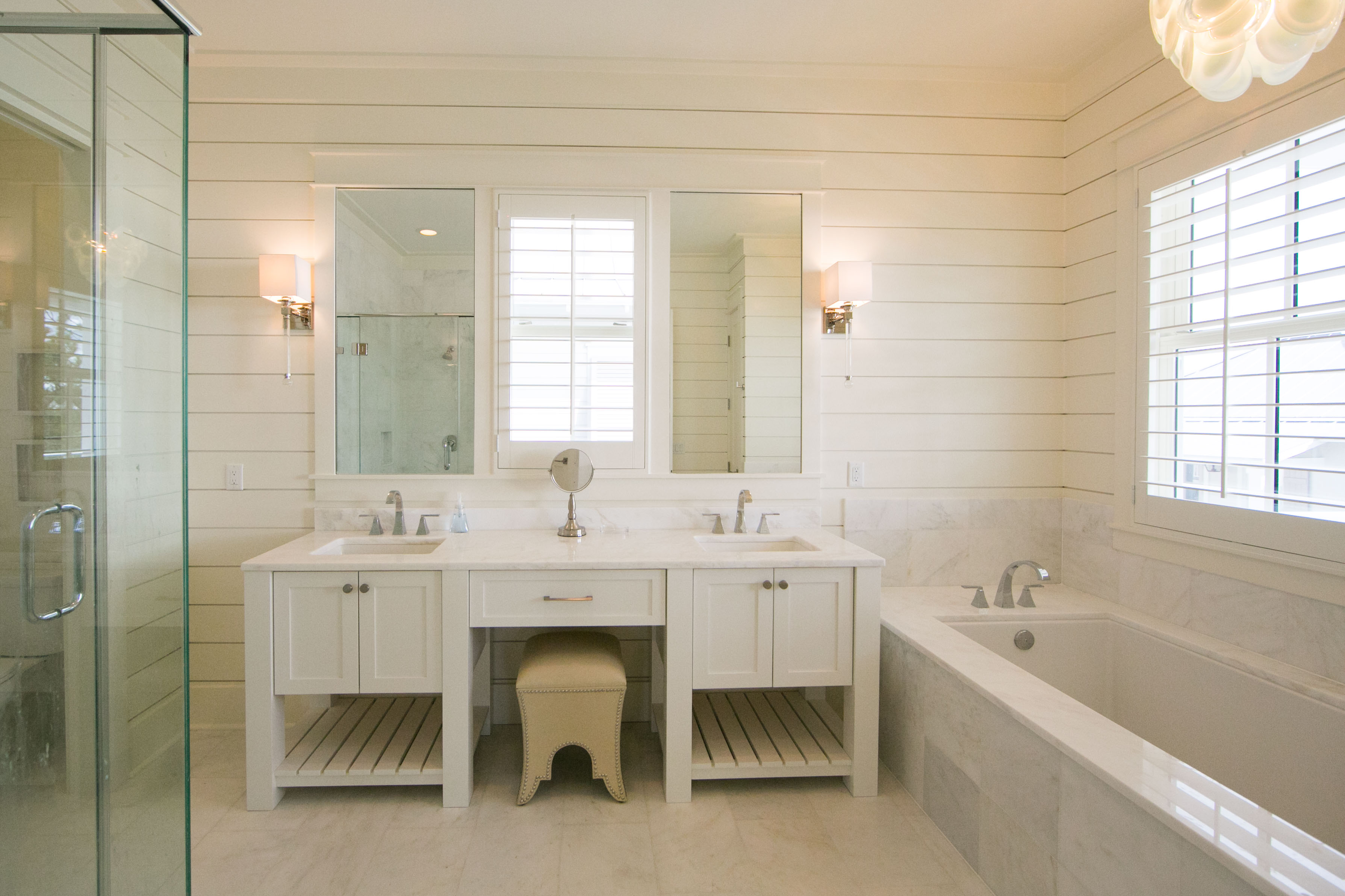 Main Master Bathroom, Double Vanities, Soaker Tub and Stand Up Shower