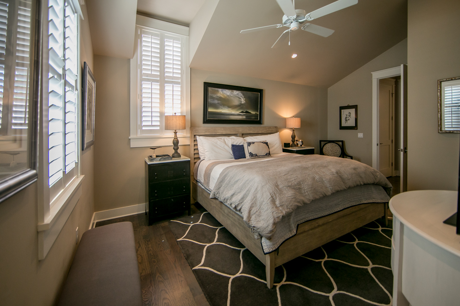 Second king master suite with exquisite furnishings and en-suite bathroom