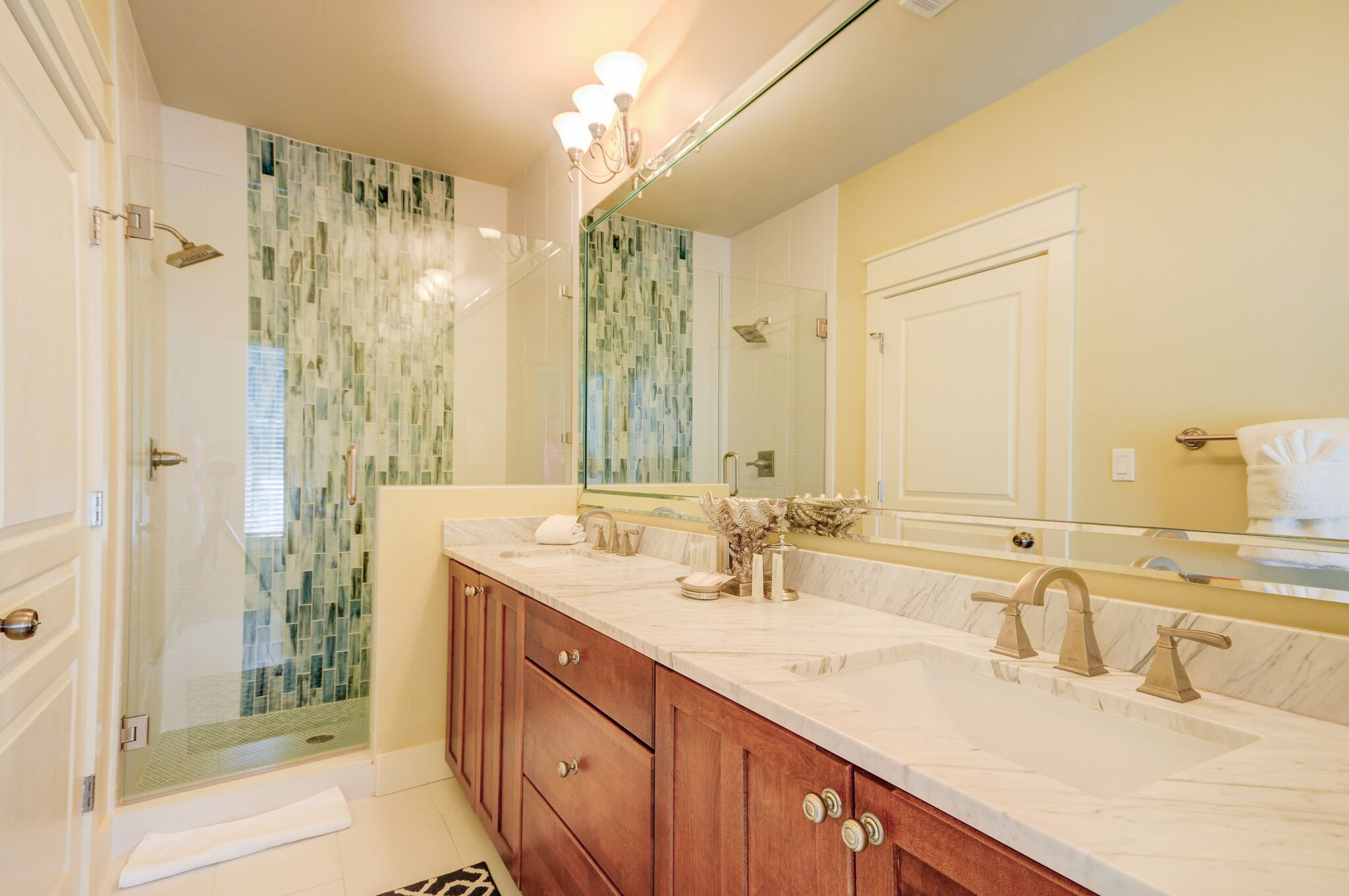 Beautiful Newly Renovated En-Suite Full Bath off of King Bedroom with Double Vanity on 1st Floor