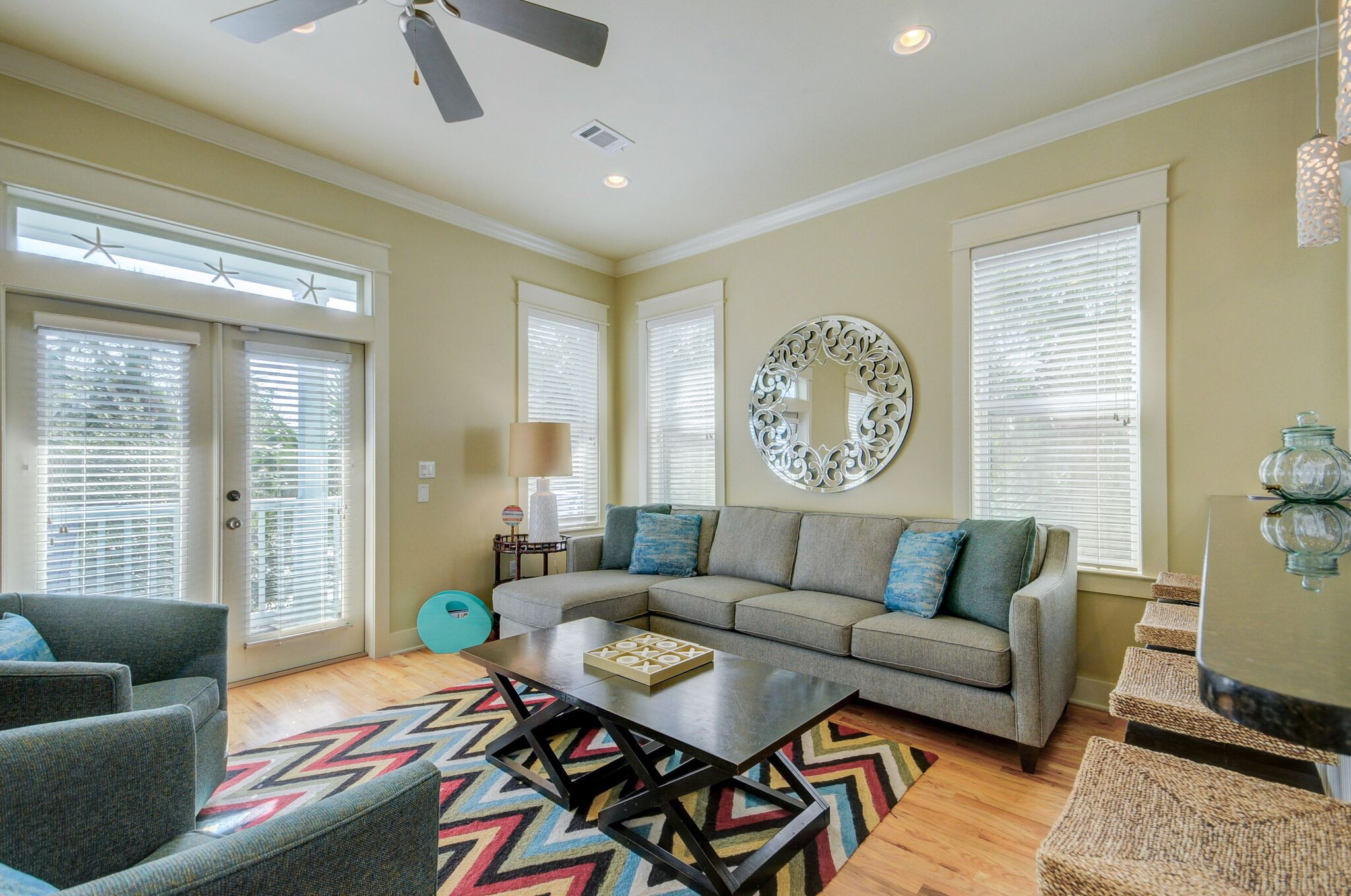Large, Bright South Facing Living Room on the 2nd Floor