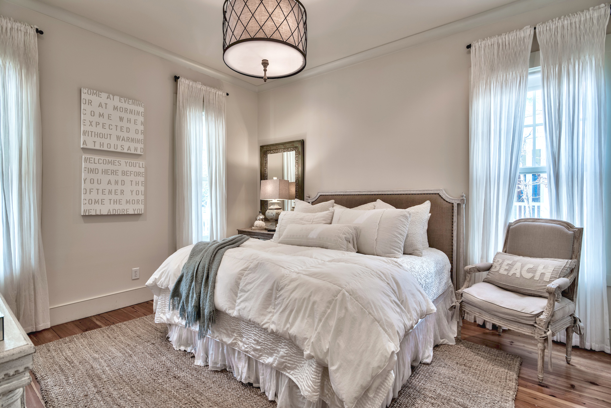 Comfortable and cozy King suite on 1st floor