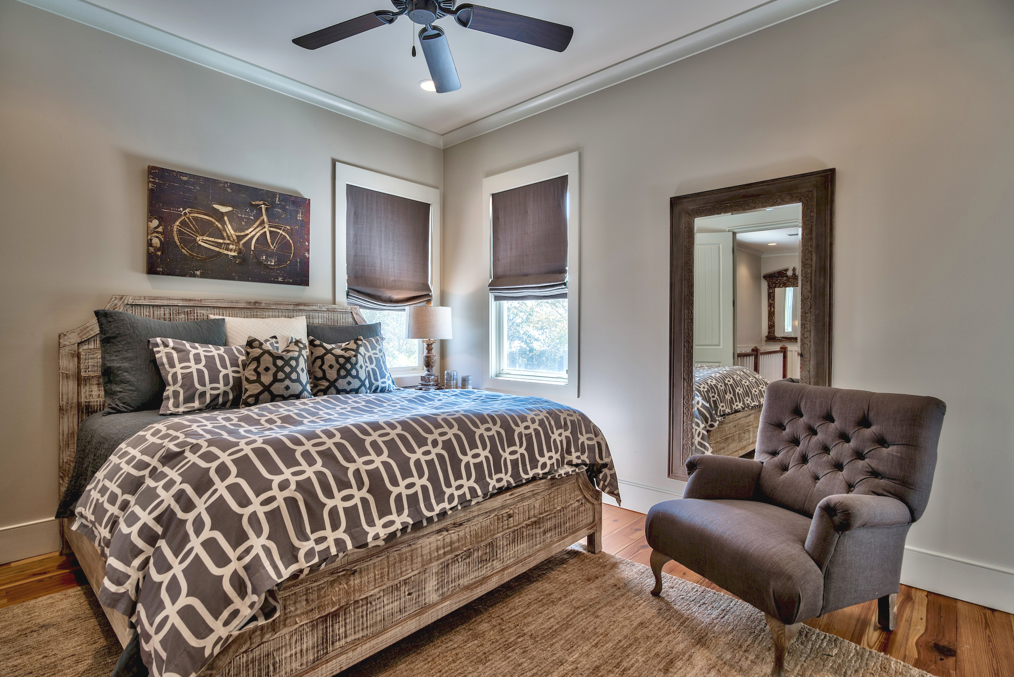 Guest bedroom with a King sized bed