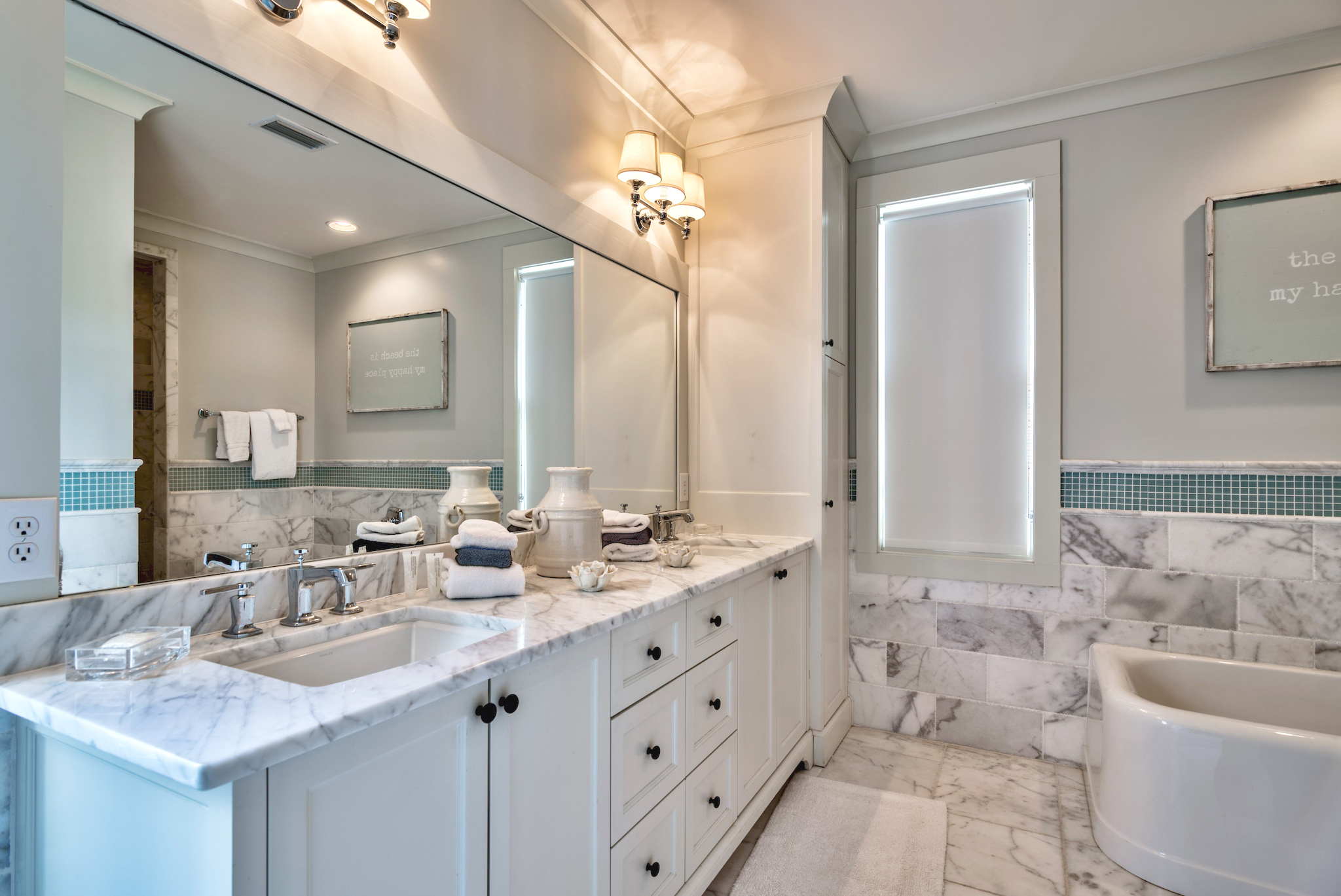 Luxurious Master bathroom with double sinks and soaking tub
