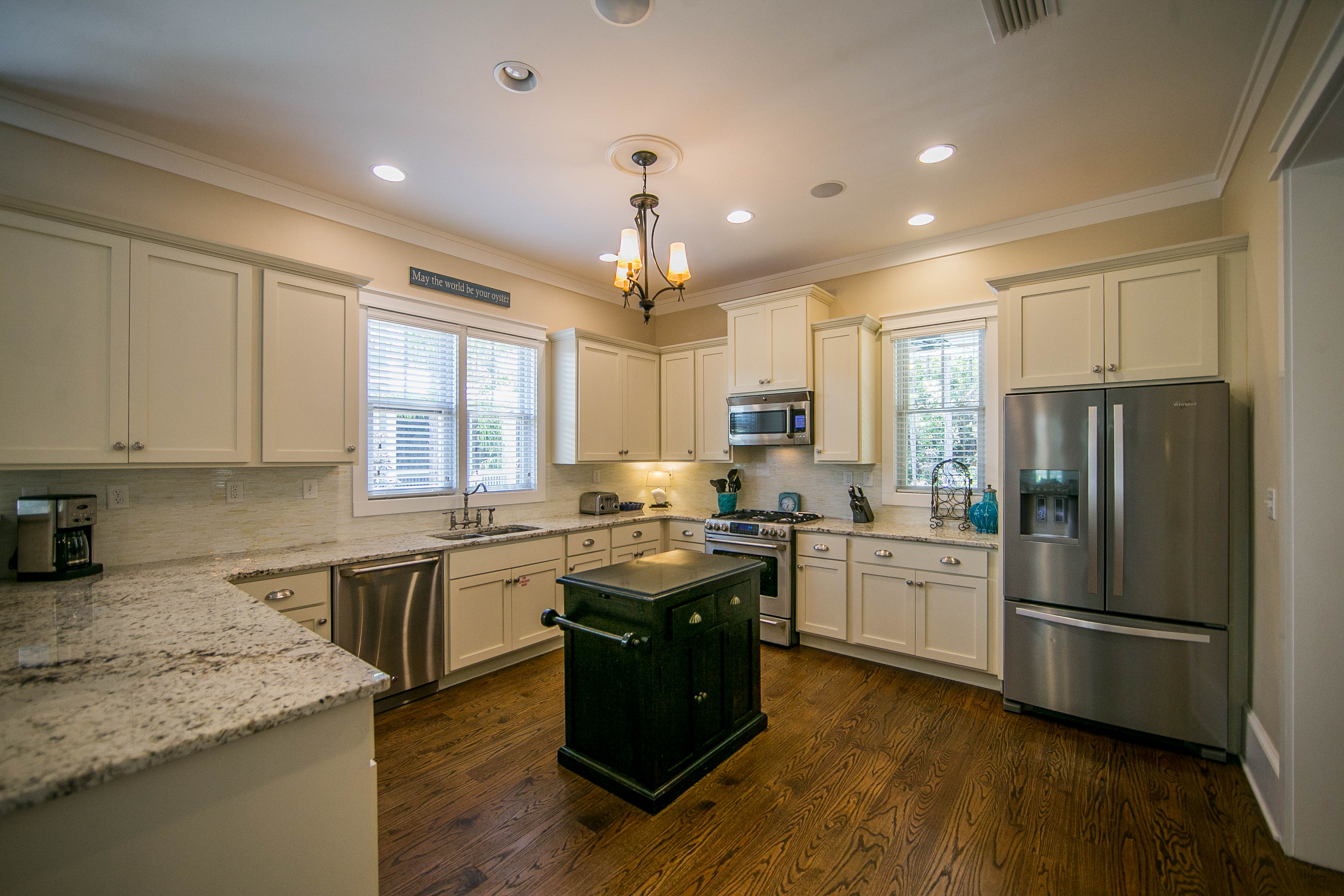 Easy flow for lots of cooking - stainless steel appliances