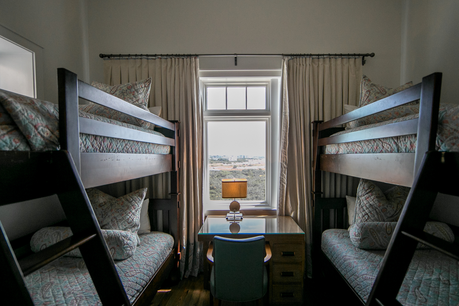 Wonderful bunk room with twin beds for 4