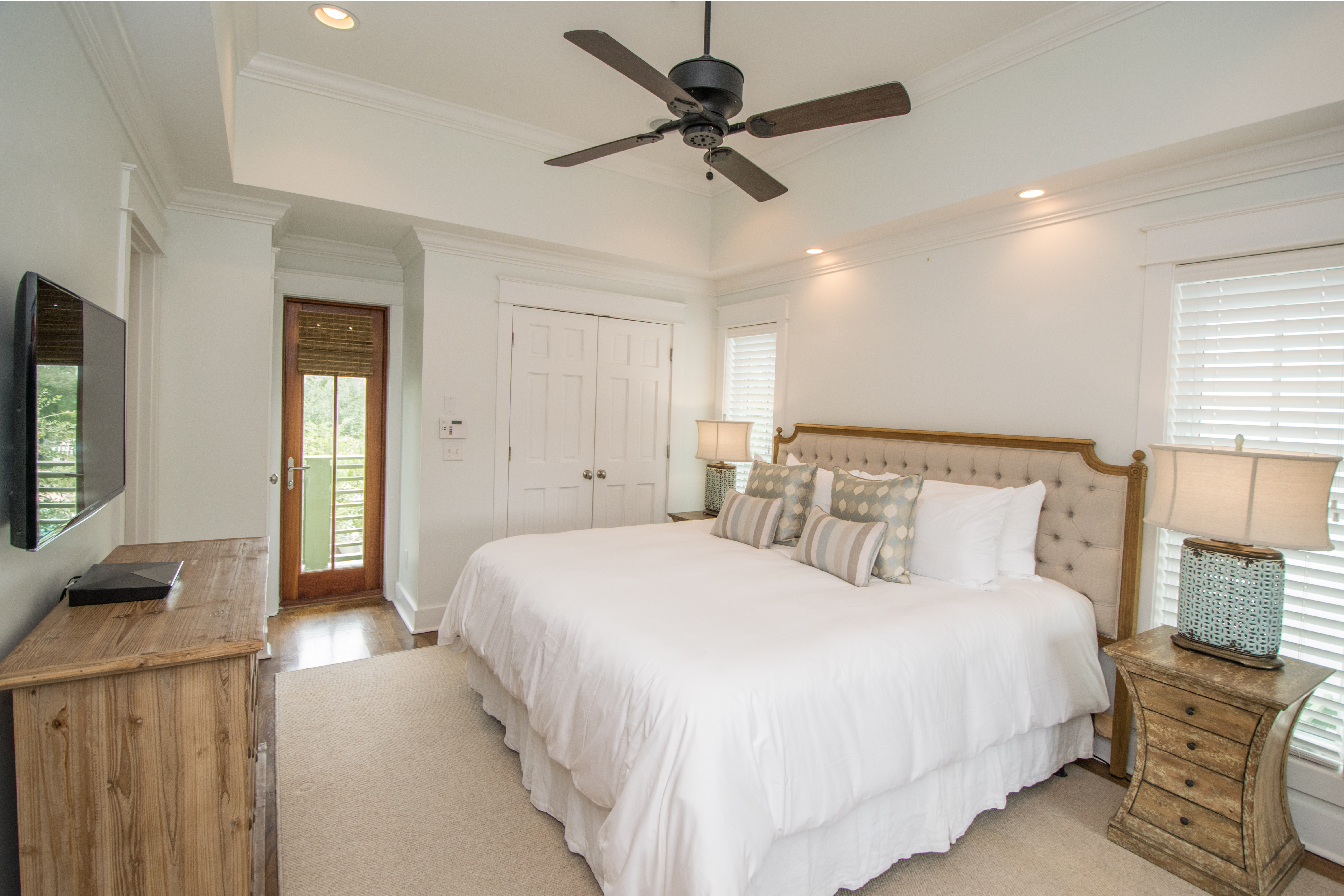 King Master Suite on 2nd floor with Ensuite Full Bath