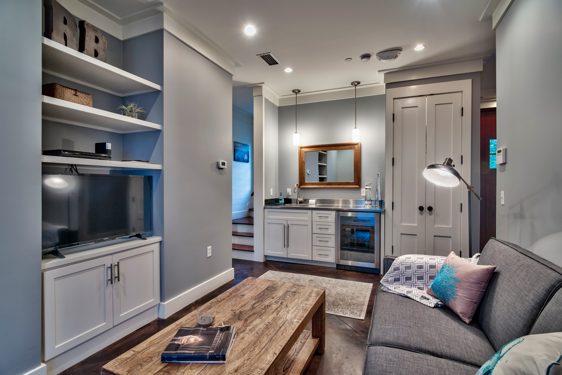 Wet Bar area, Pull Out Couch and Laundry Closet
