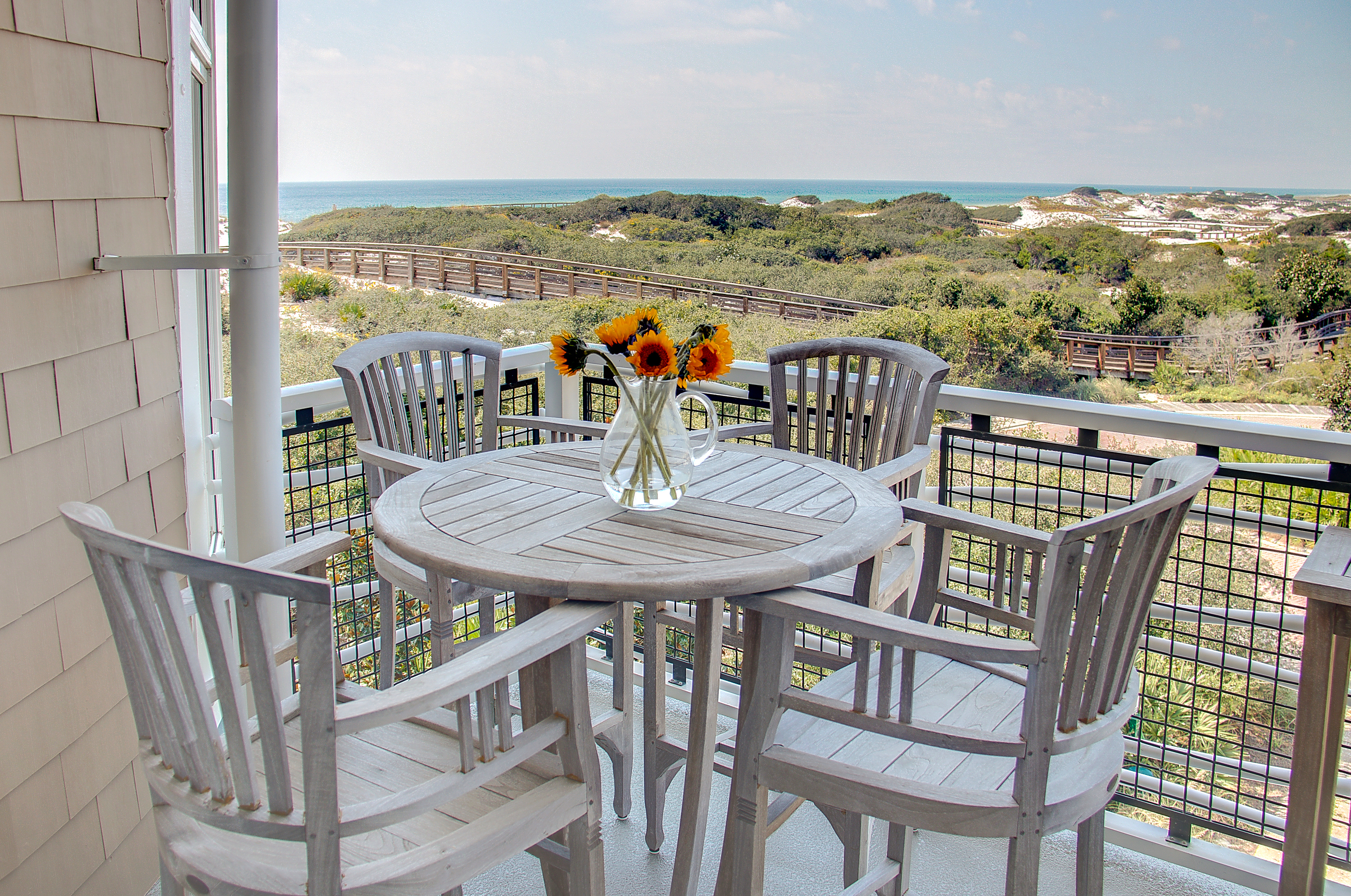 Alfresco dining with amazing views is located just off of the kitchen area