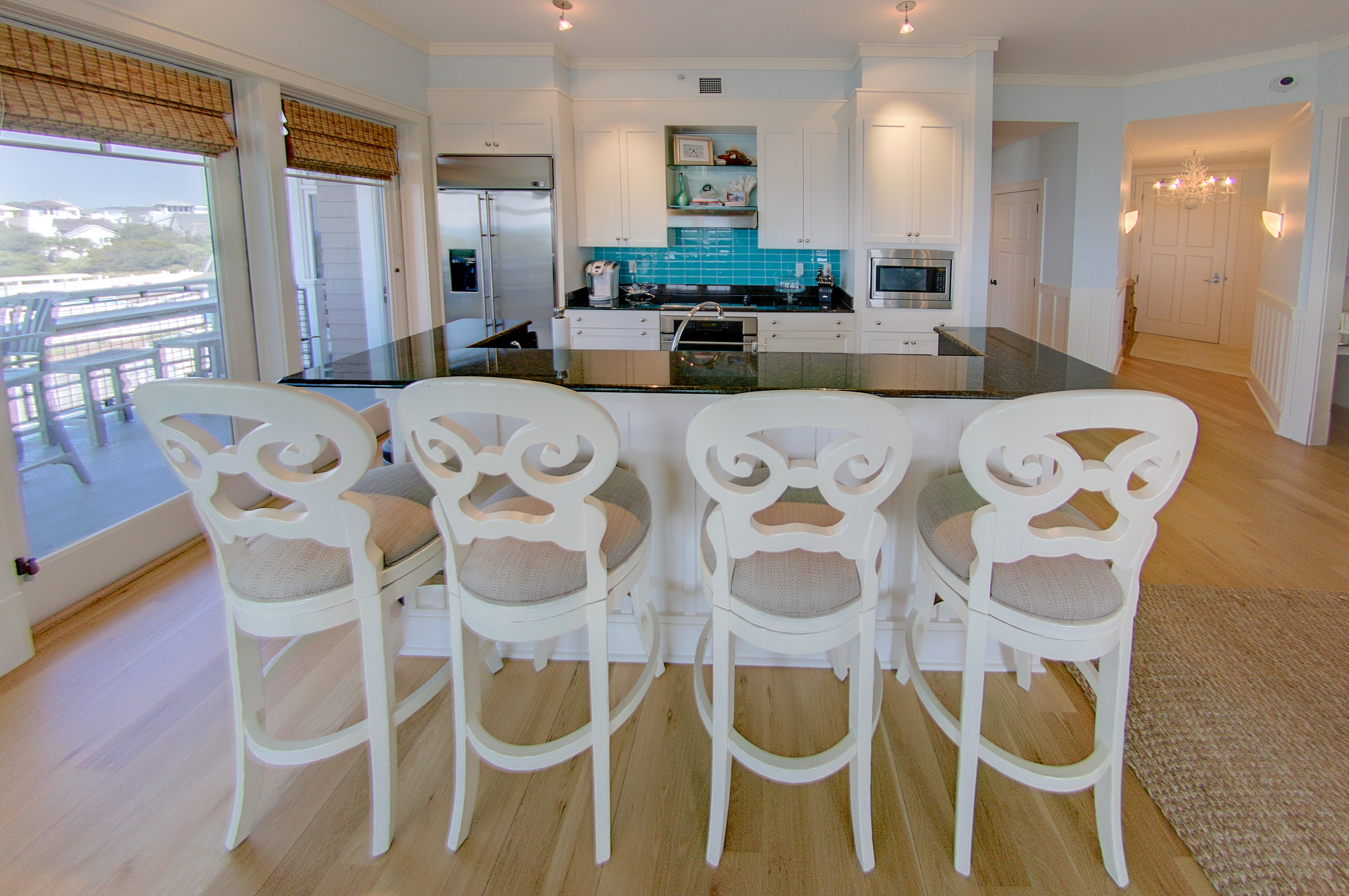 Barstool seating for 4 at the kitchen island