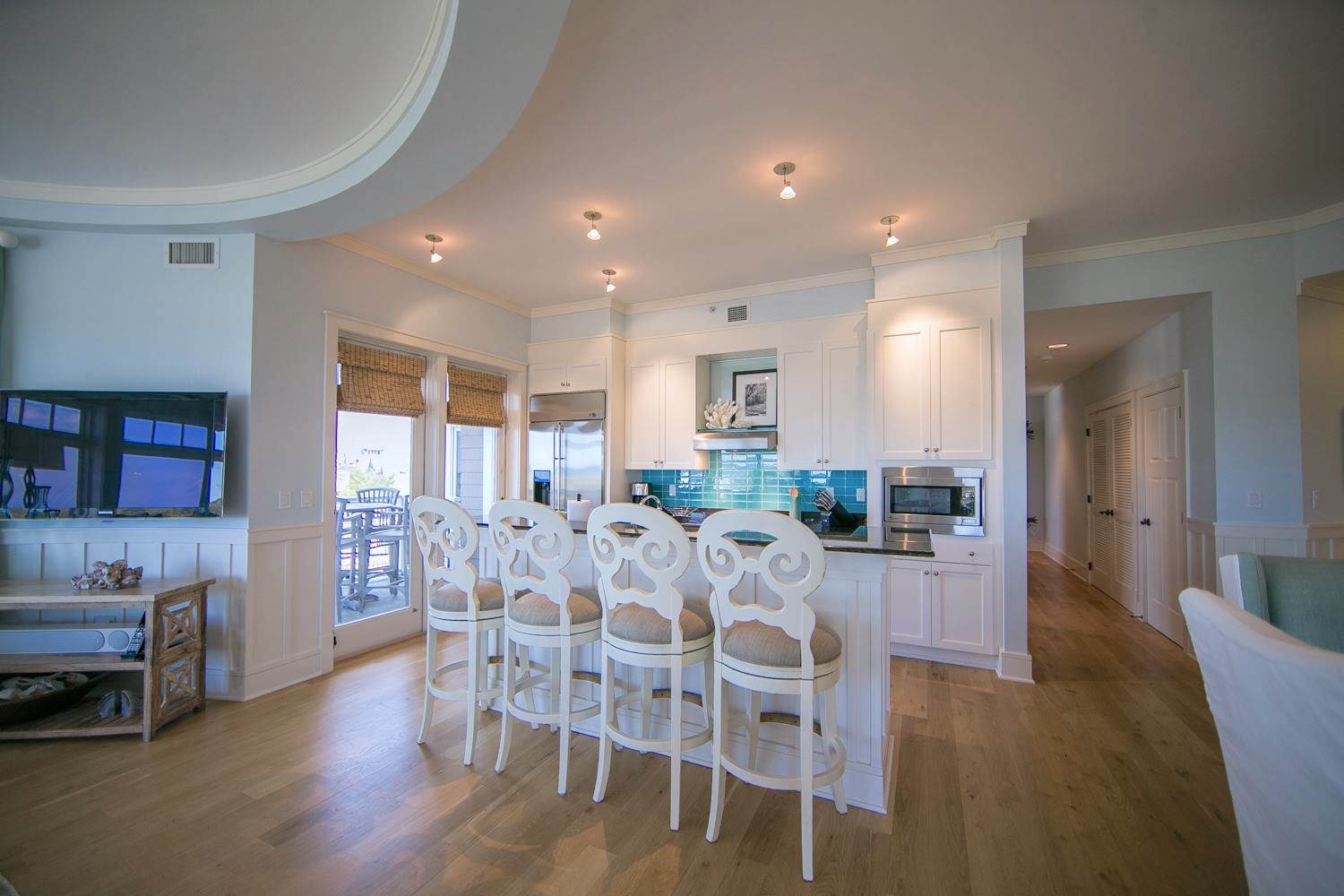 Great spot for cooking and conversations all while looking at the GULF of Mexico views.