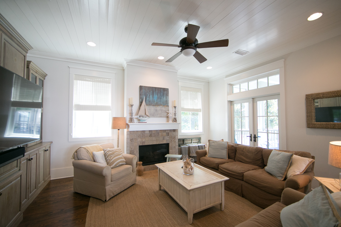 Spacious Living Room with Gas Fireplace and Large TV