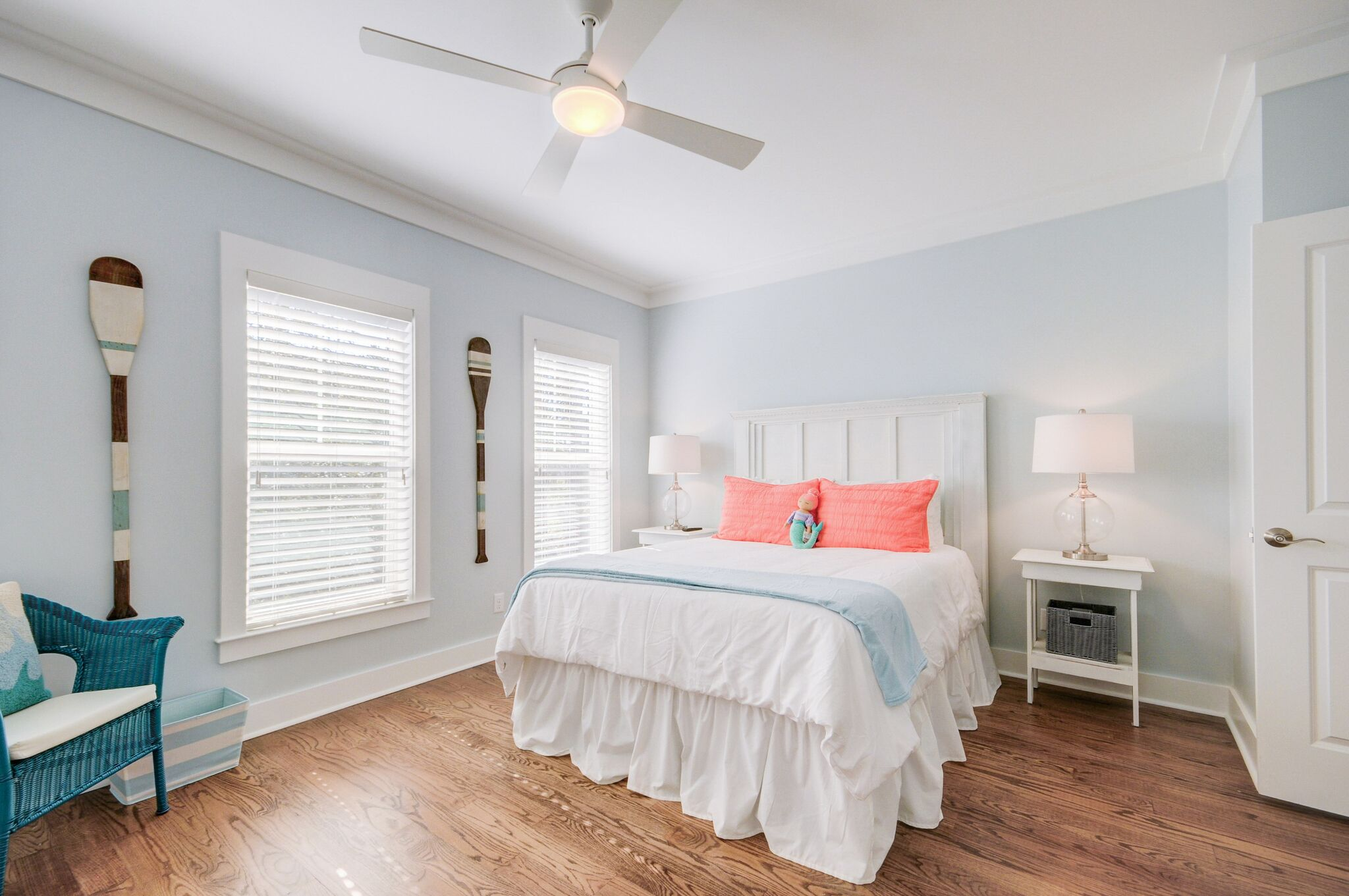 1st Floor Very Large Queen Bedroom with a Daybed and Trundle Bed