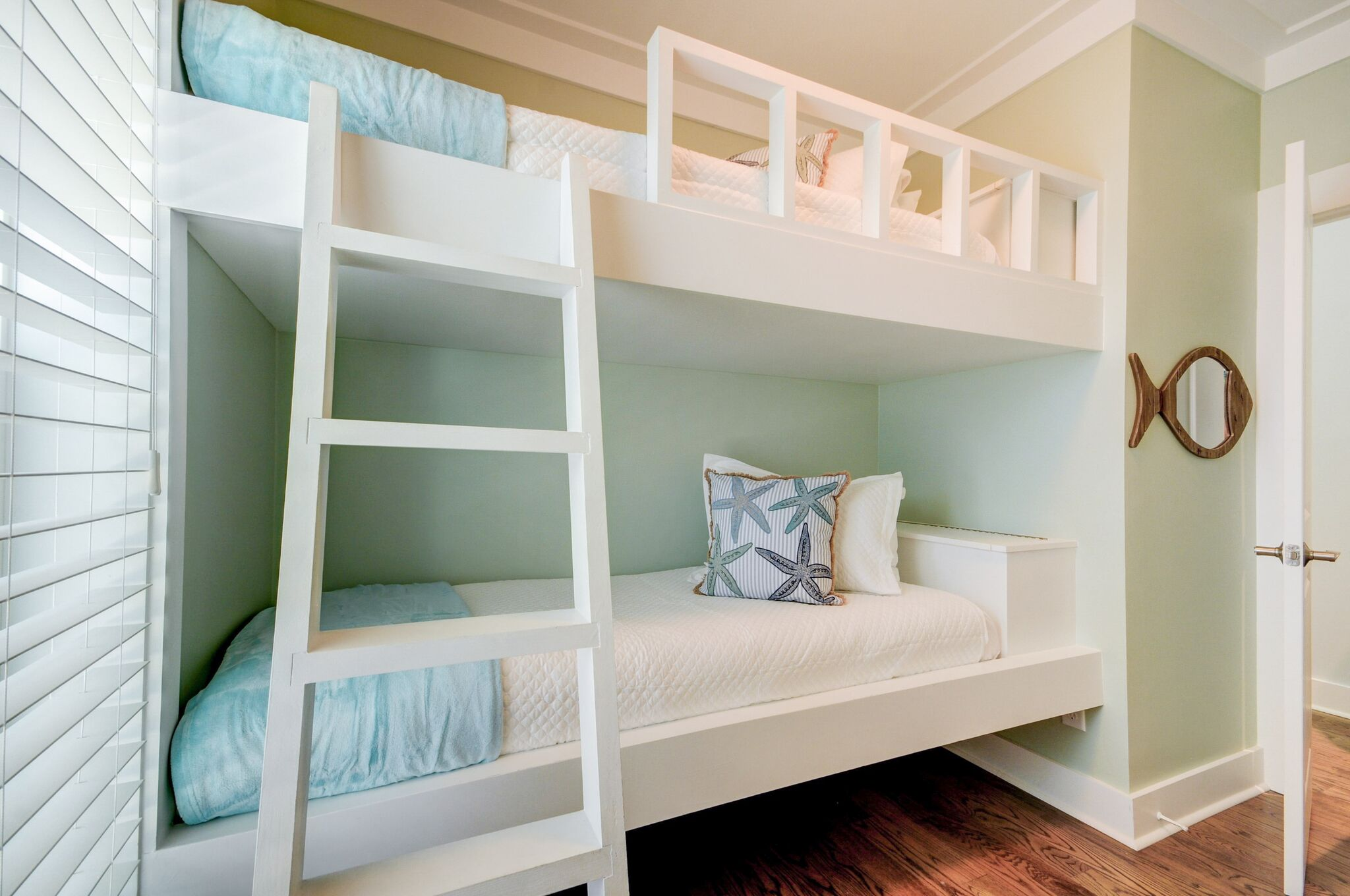 Bunk Room with 2 custom built twin beds