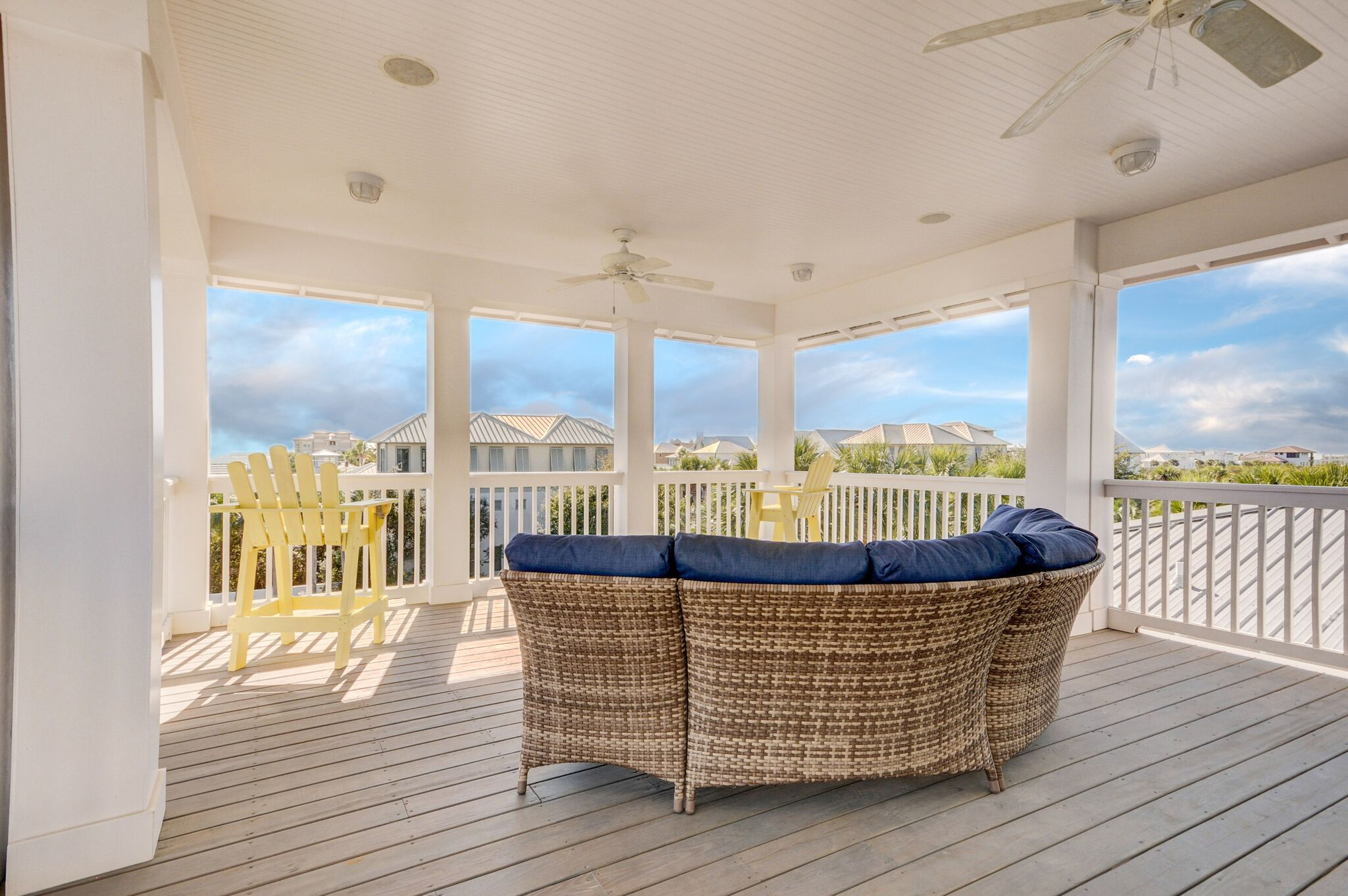 Phenomenal views of the Gulf from this 3rd Floor Deck, including Alys Beach to the West and Rosemary Beach to the East