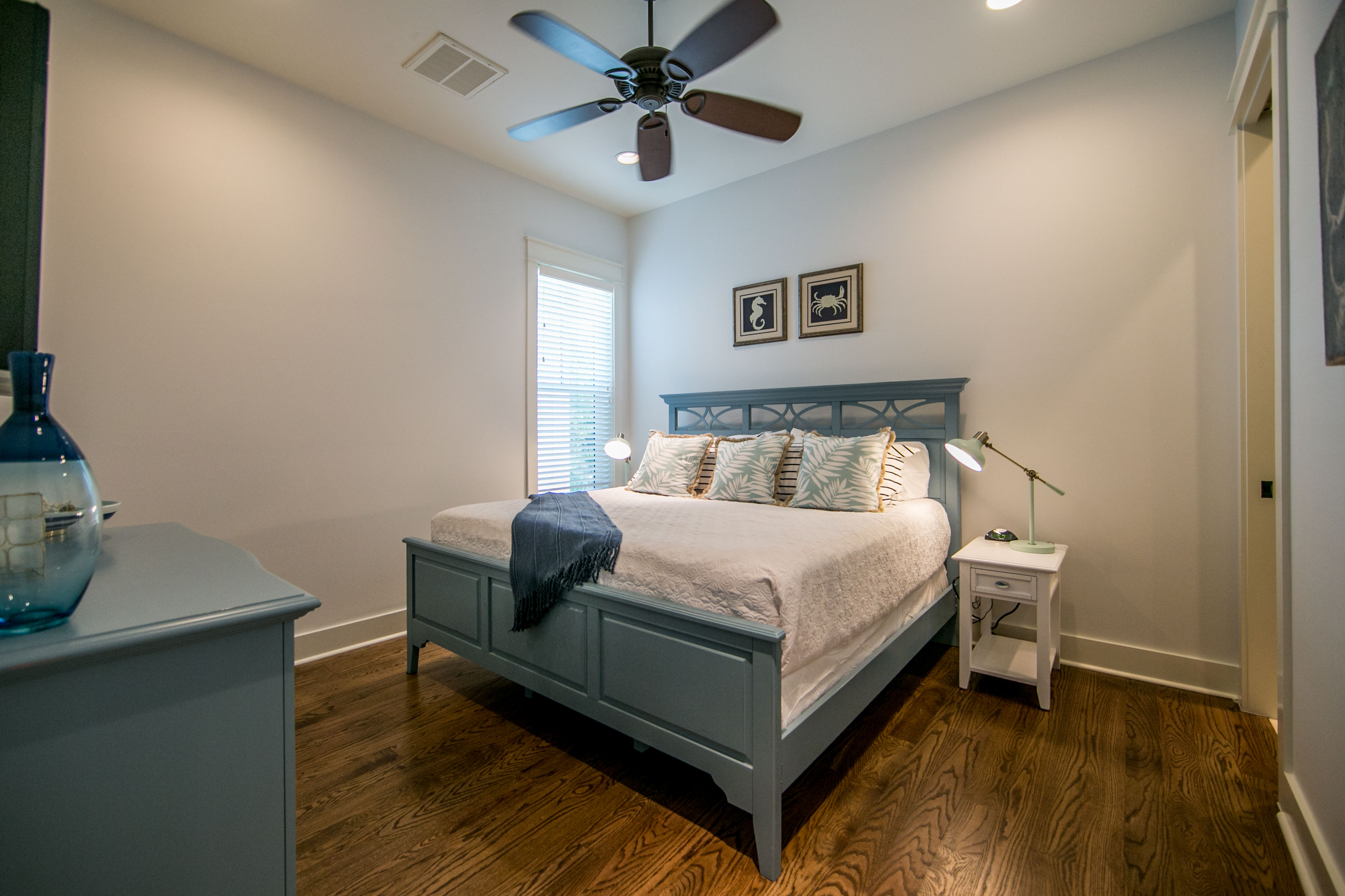 1st floor master bedroom en-suite with king bed and walk in closet