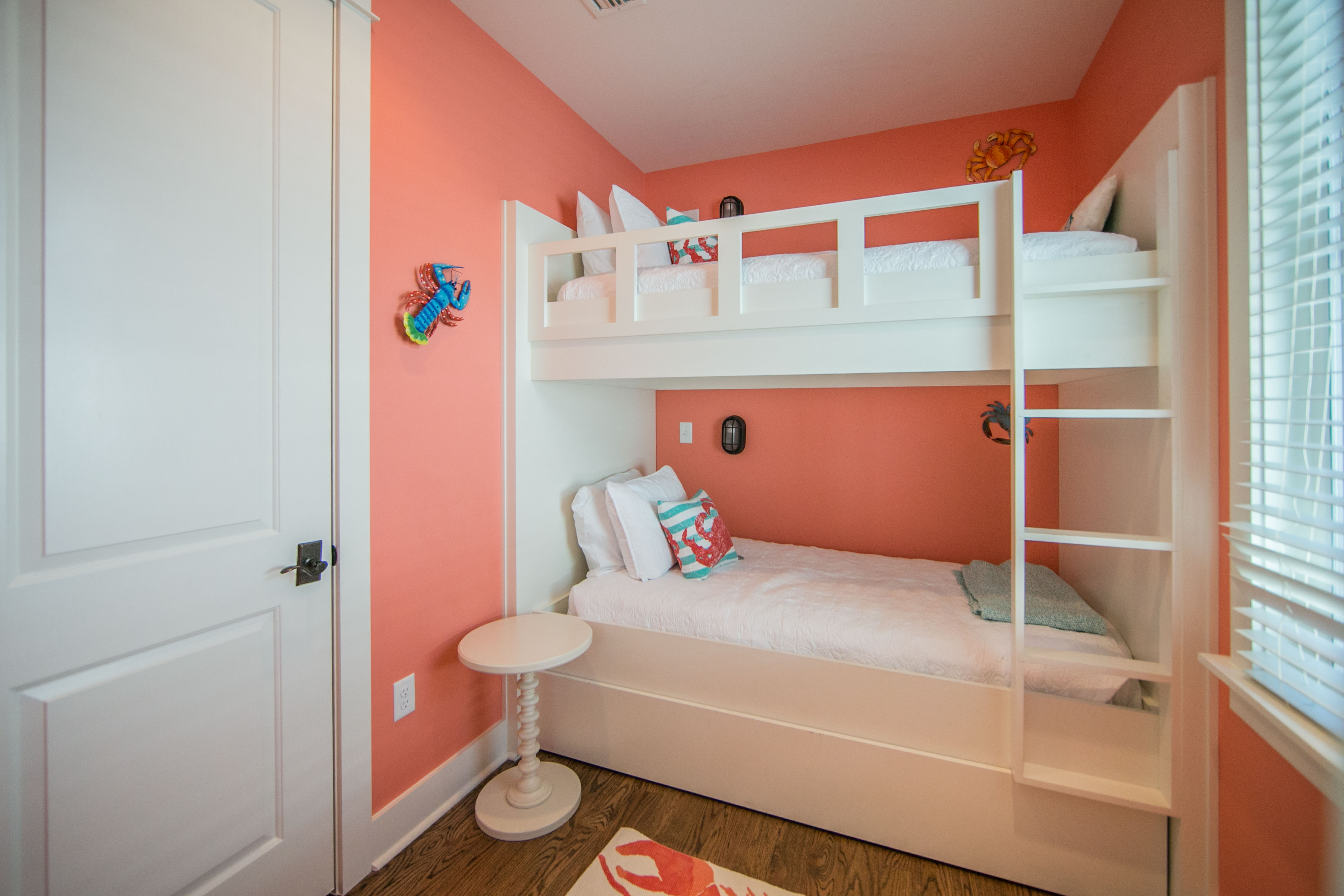 2nd floor bunk bedroom with trundle