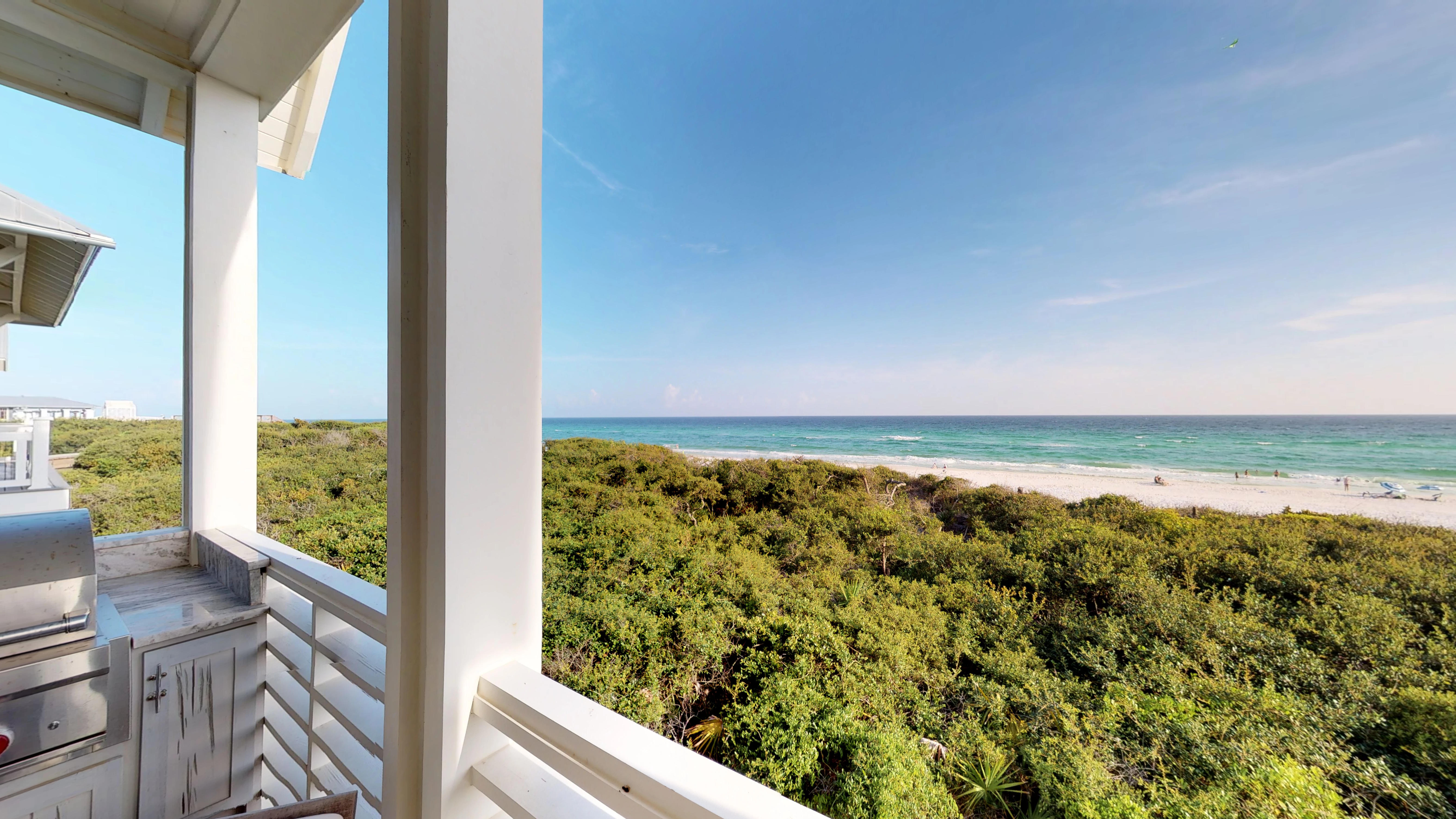 Enjoy the amazing Gulf breezes from the 2nd floor balcony
