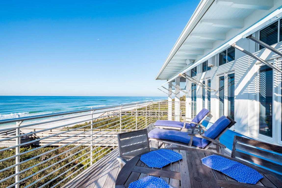 Private balcony off of the master bedroom, perfect for your morning cup of coffee!