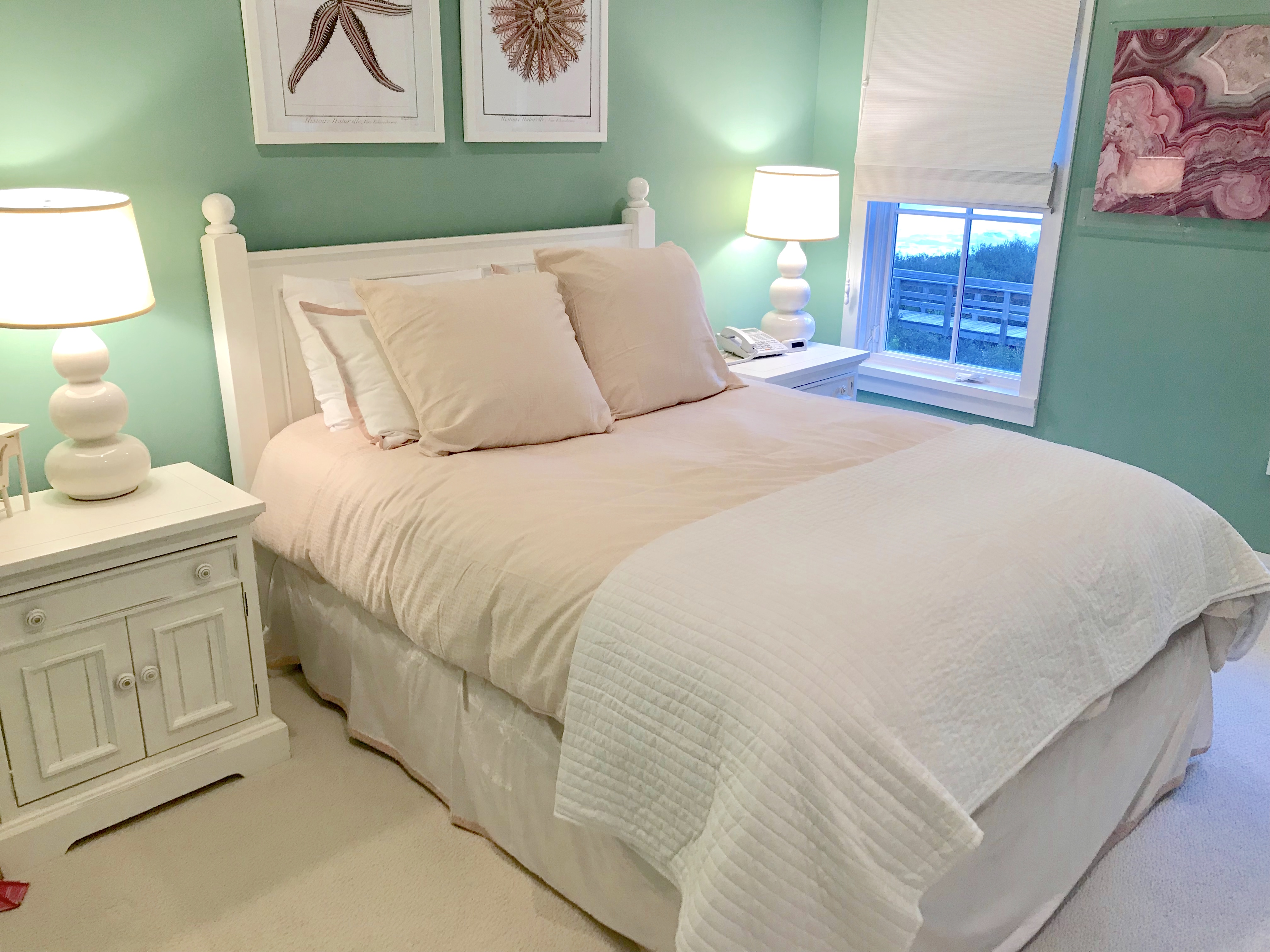 Queen guest room 1 with gulf views