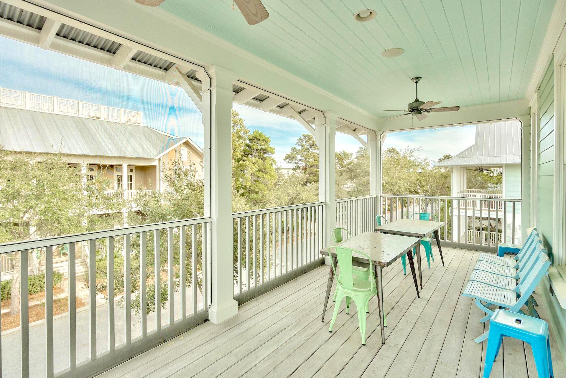 Large, screened balcony on the 2nd floor