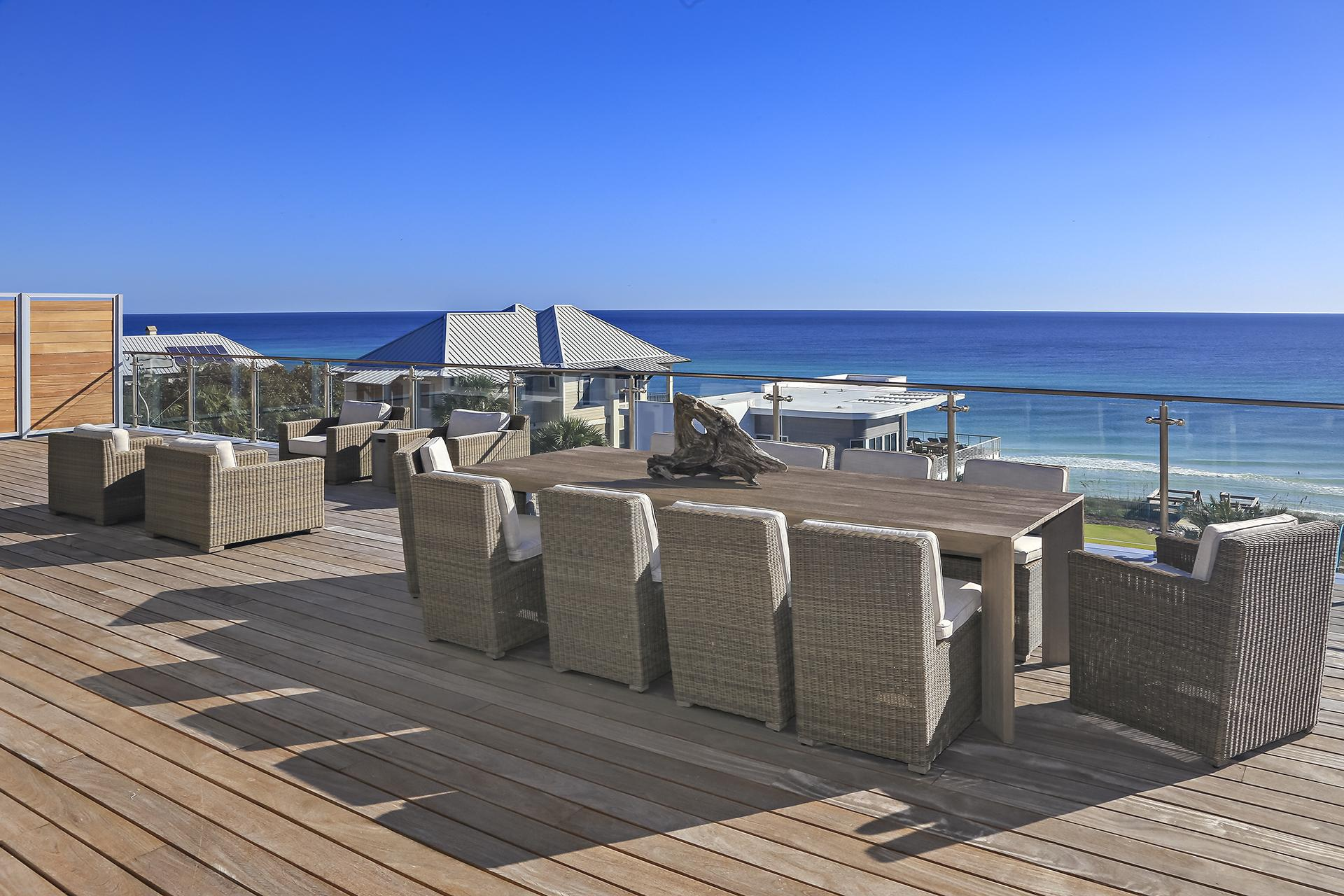 Panoramic gulf views from the oversized deck