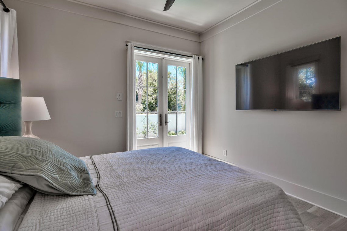 King guest room #3 has direct access to the pool
