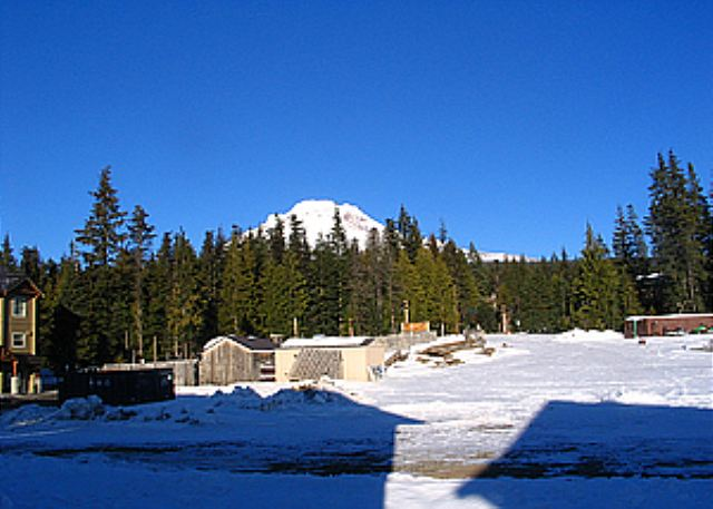 FR-Alpine View Chalet-Government Camp-Oregon-01