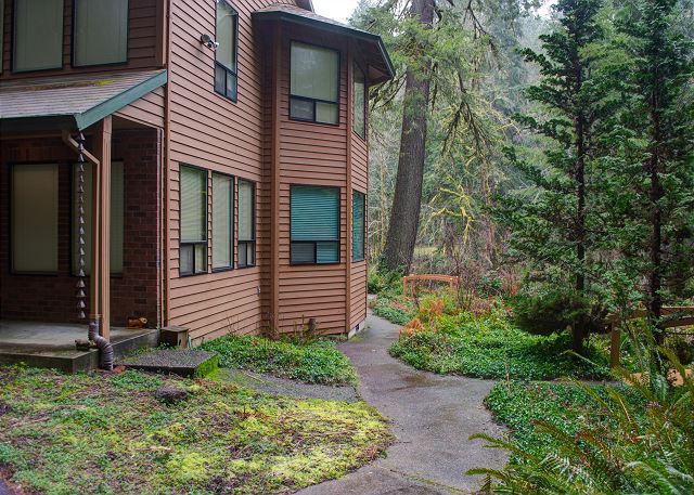 FR-Clearwater Lodge-Brightwood-Oregon-02
