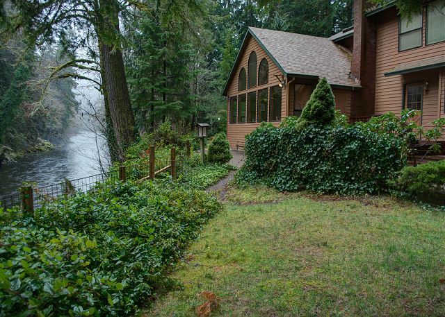 FR-Clearwater Lodge-Brightwood-Oregon-03