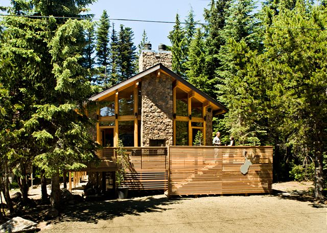 FR-Mule Deer Cabin-Government Camp-Oregon-01