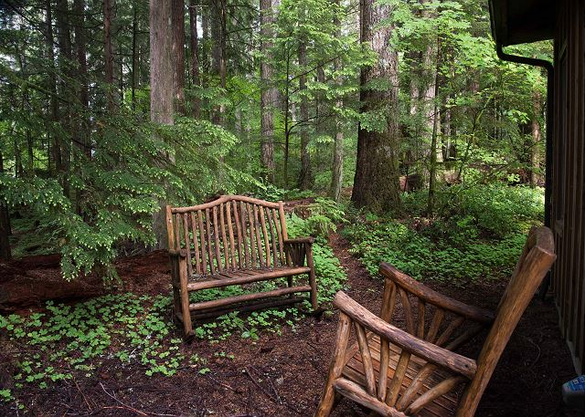 FR-Sycamore Lodge-Rhododendron-Oregon-35