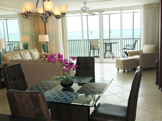 Ocean view condo on the beach with 2 bedrooms in Siesta Key, FL