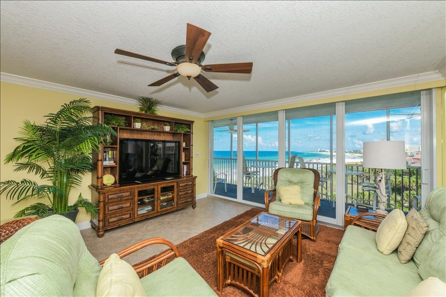 Ocean view 2 bedroom condo on Crescent Beach in Siesta Key with pool
