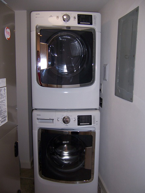 901 Washer and dryer