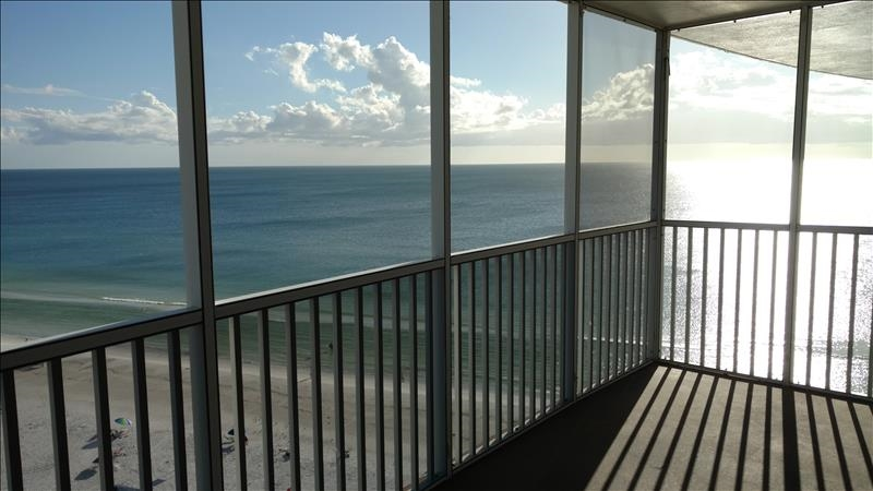 Ocean View vacation rental condo with 2 bedrooms on the beach in Siesta Key