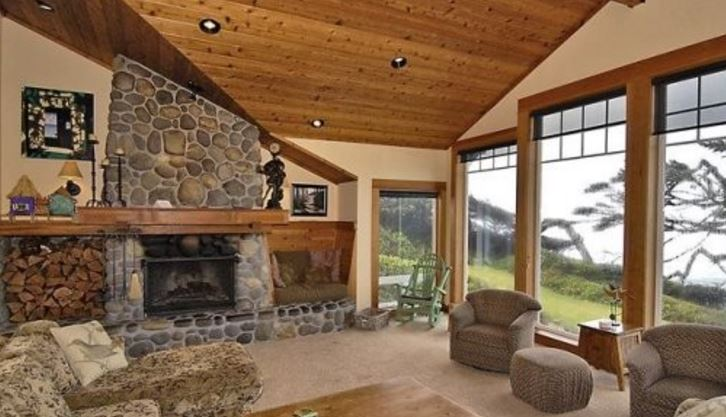 Cannon Beach 4 bedroom vacation home rental with ocean views