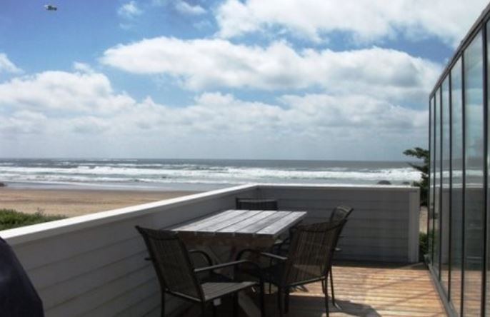 Cannon Beach oceanfront 3 bedroom vacation home rental  on south Cannon Beach