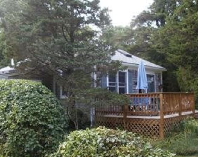 Cape Cod vacation home close to Cape Cod bay and Nauset Beach in Orleans, Mill Pond area