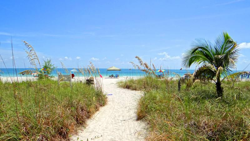 VIEW & PRIVATE PATH TO BEACH