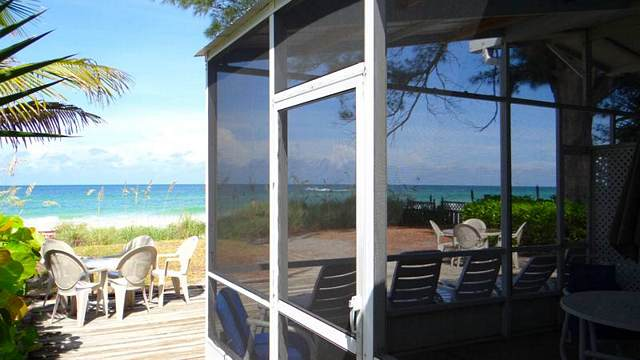 SCREENED PORCH & VIEW