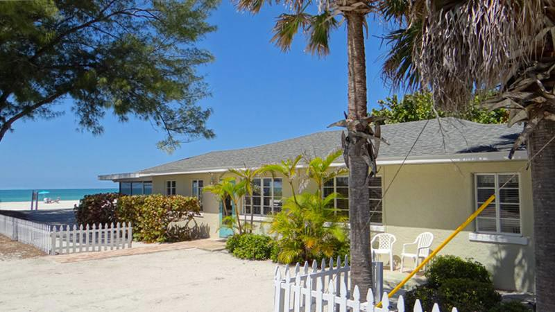 Holmes Beach 3 bedroom vacation home on the beach in Anna Maria Island with community pool