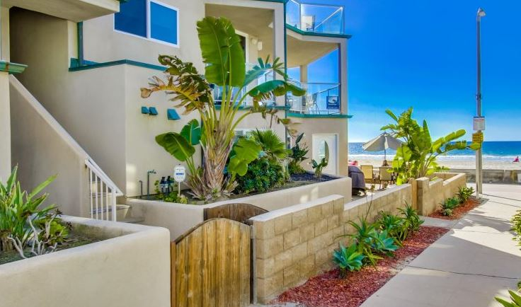 Mission Beach 4 bedroom home rental on the ocean