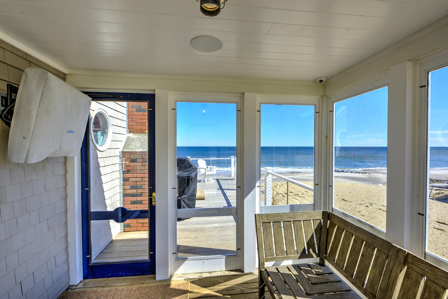 Entry screen porch with TV