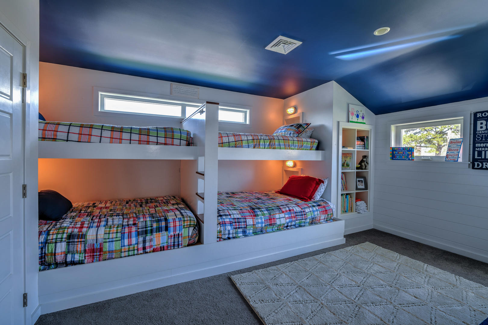 2 twin bunk bed