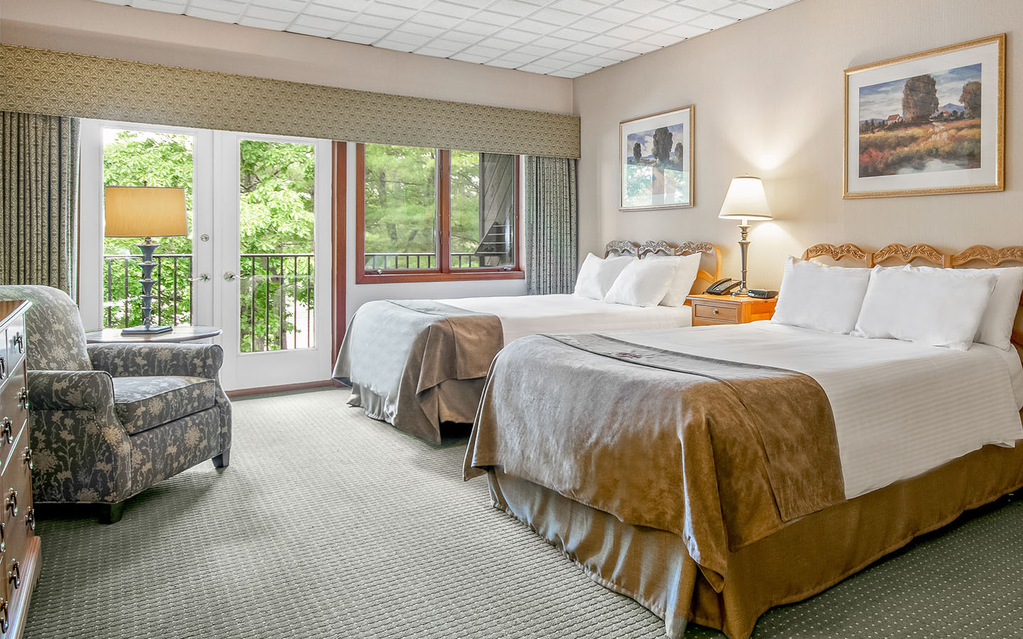 Picture of: Two Bedroom Edgewater Suites Woodloch Offers A Two Bedroom 137332 Find Rentals