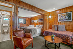 Classic Standard Rooms – All Inclusive Family Vacations - Hawley Pennsylvania - Living Area with Day Bed - Woodloch Pines Resort