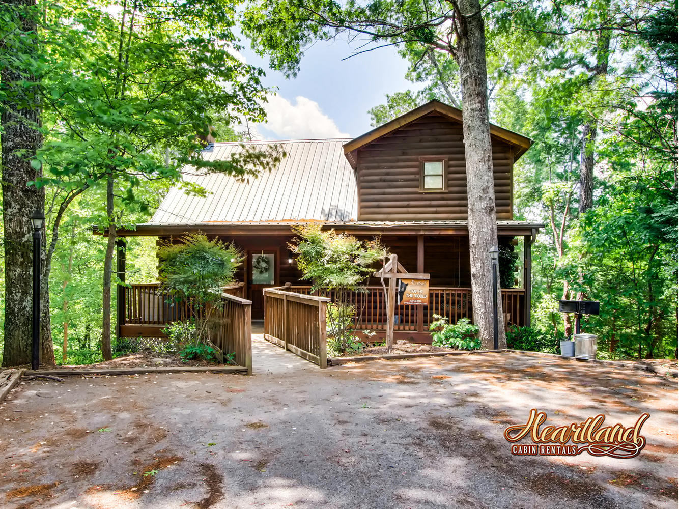 Top Of The World 2 Bedroom Vacation Cabin Rental Pigeon Forge Tn 134958 Find Rentals
