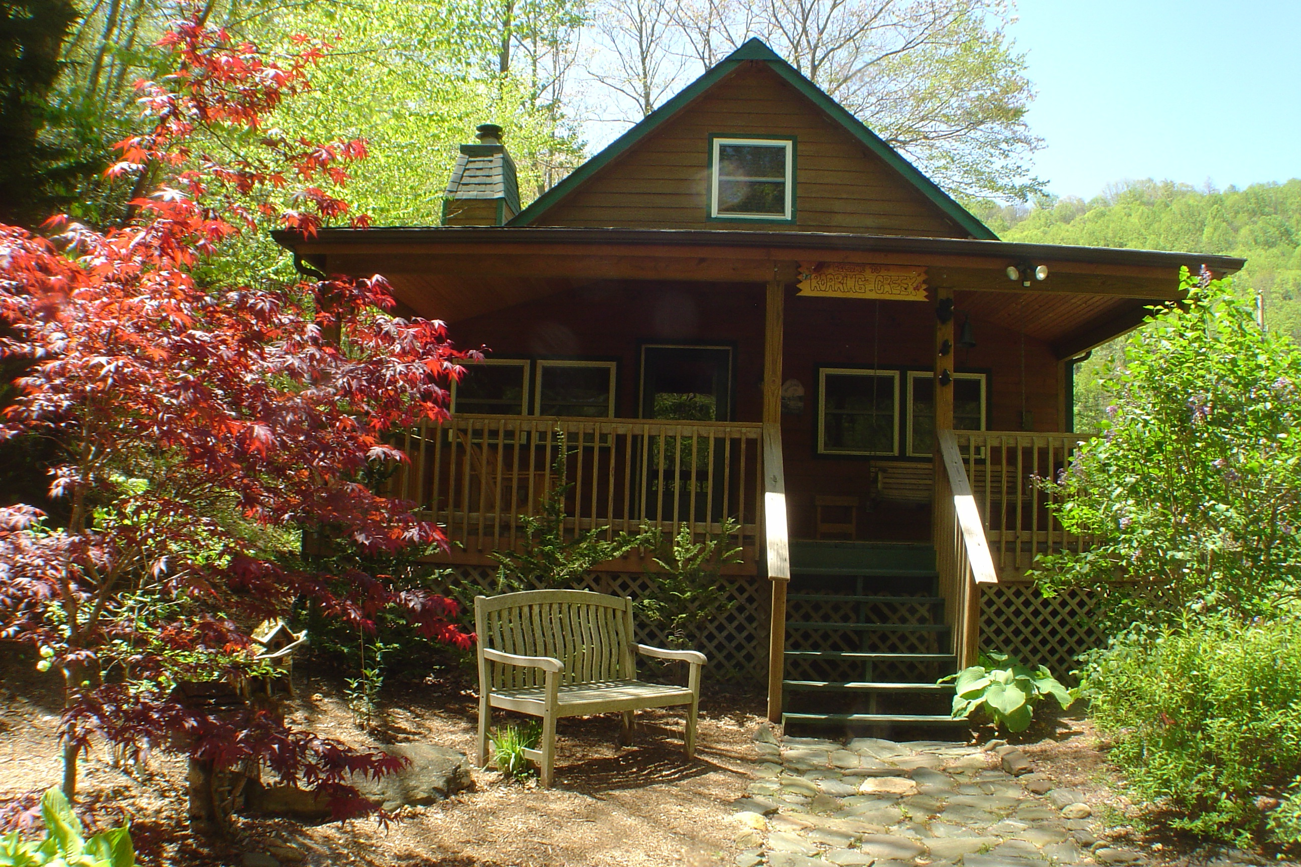 rental vacation cabin cabins hot boone pet sale nc area in friendly log rentals north for carolina tub parkway