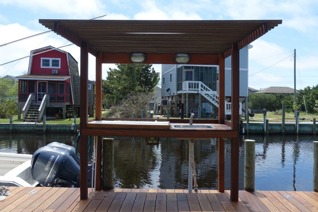 Boat Dock - Cleaning Station