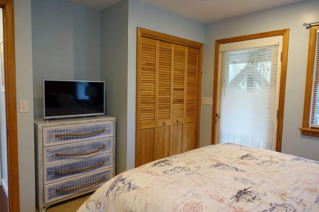 Master Bedroom-Oyster Pearl